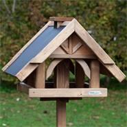 """Casetta per uccelli """"Herte"""" VOSS.garden, con palo di sostegno"""
