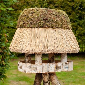 930400-1-casetta-per-uccelli-pellworm-voss-garden-con-tetto-in-paglia-ovale-45-x-60-cm.jpg
