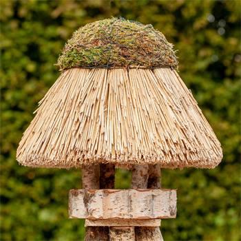 930406-1-casetta-per-uccelli-amrum-voss-garden-con-tetto-in-paglia-tonda-45-cm.jpg
