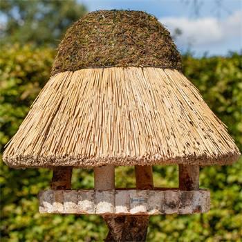 930415-1-casetta-per-uccelli-foehr-voss-garden-con-tetto-in-paglia-tonda-80-cm.jpg