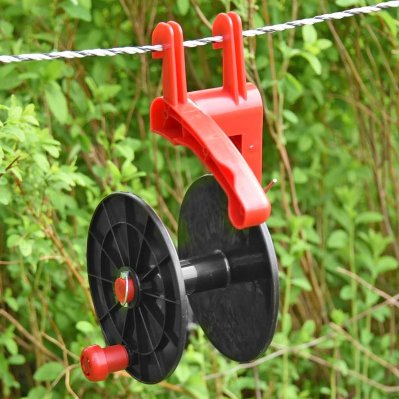 44285-7-VOSS.farming-500m-hand-reel-red.jpg