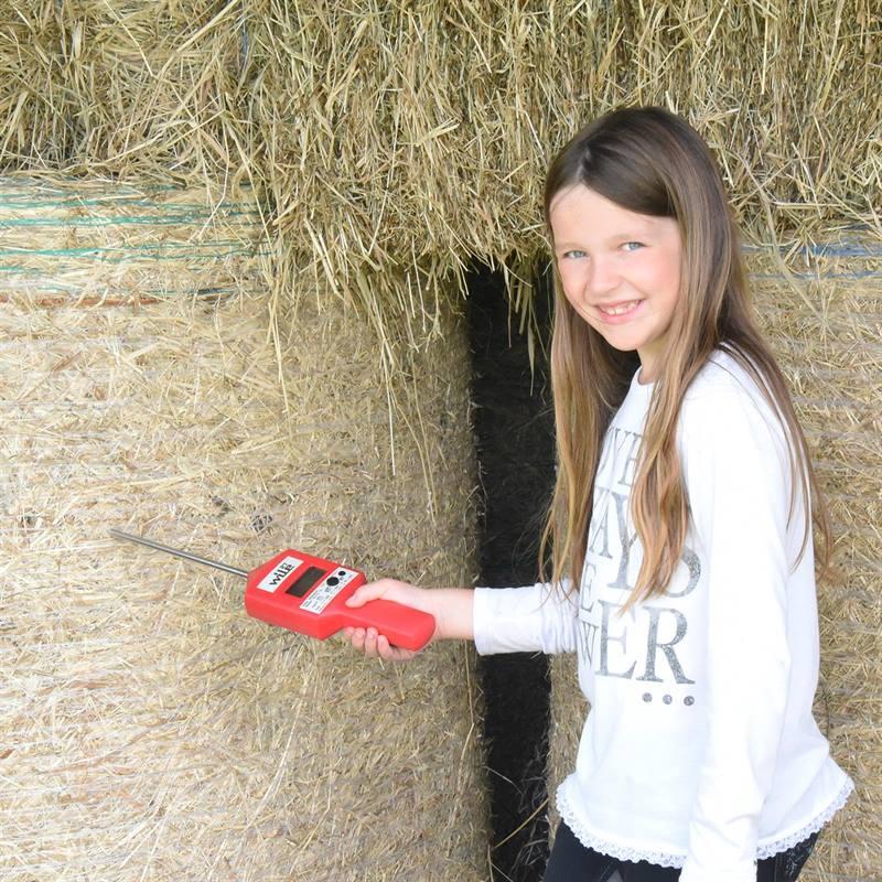81630-3-WILE27-digital-hay-probemoisture-meter.jpg