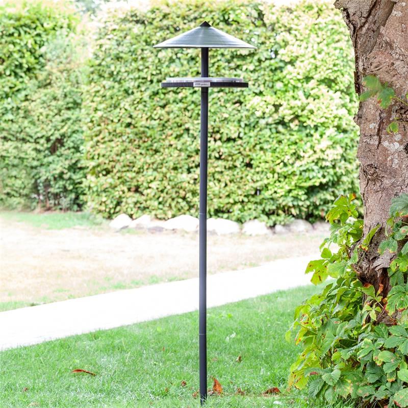 930133-2-casetta-per-uccelli-skagen-design-elegante-con-palo-di-sostegno.jpg