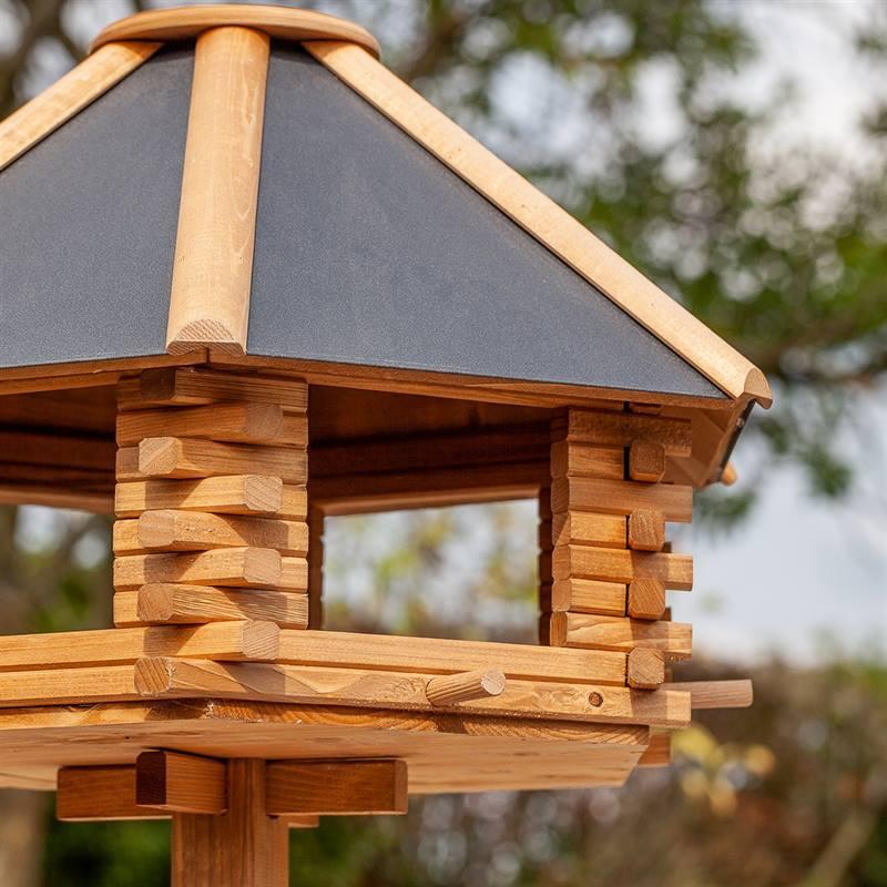 930300-3-cassetta-per-uccelli-tofta-voss.garden-in-legno-di-alta-qualita-e-con-tetto-in-metallo.jpg