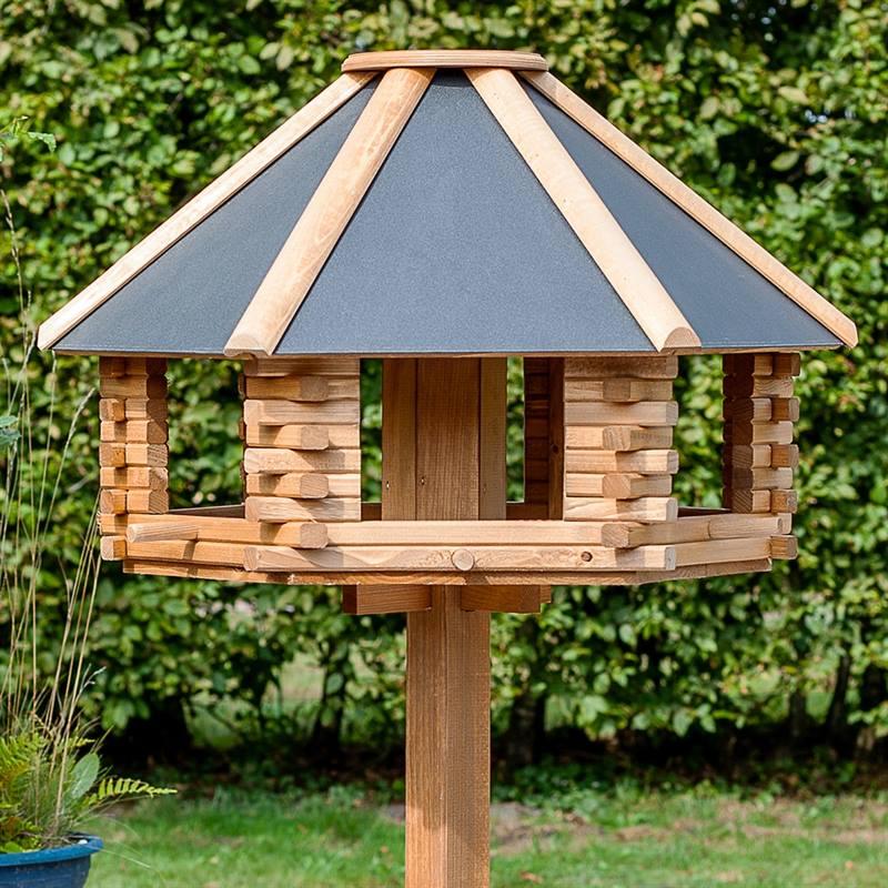 930300-7-cassetta-per-uccelli-tofta-voss.garden-in-legno-di-alta-qualita-e-con-tetto-in-metallo.jpg