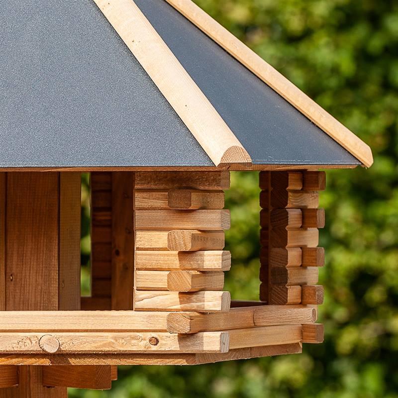 930300-8-cassetta-per-uccelli-tofta-voss.garden-in-legno-di-alta-qualita-e-con-tetto-in-metallo.jpg