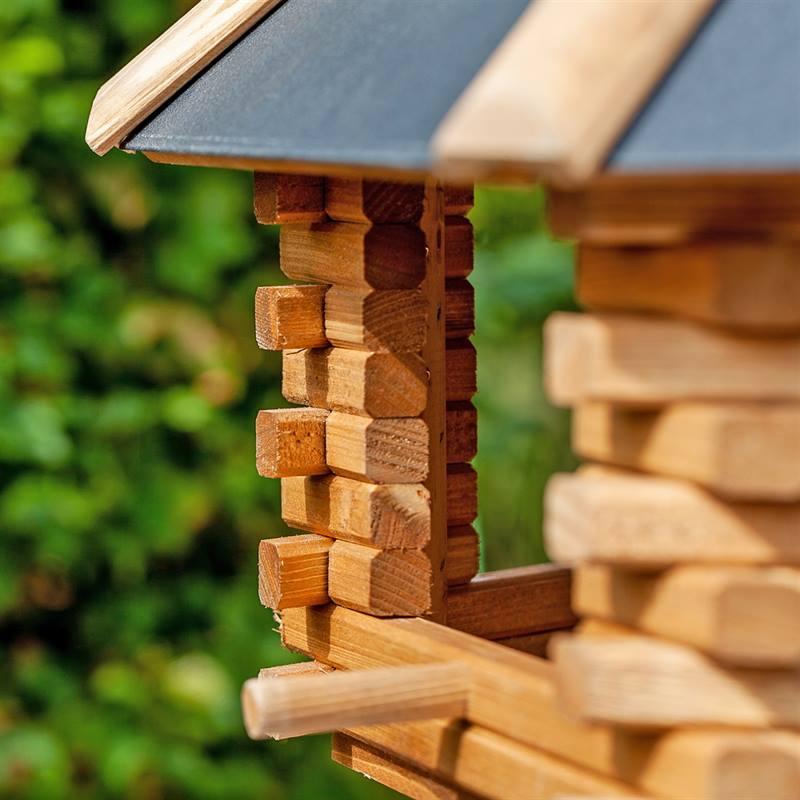 930300-9-cassetta-per-uccelli-tofta-voss.garden-in-legno-di-alta-qualita-e-con-tetto-in-metallo.jpg