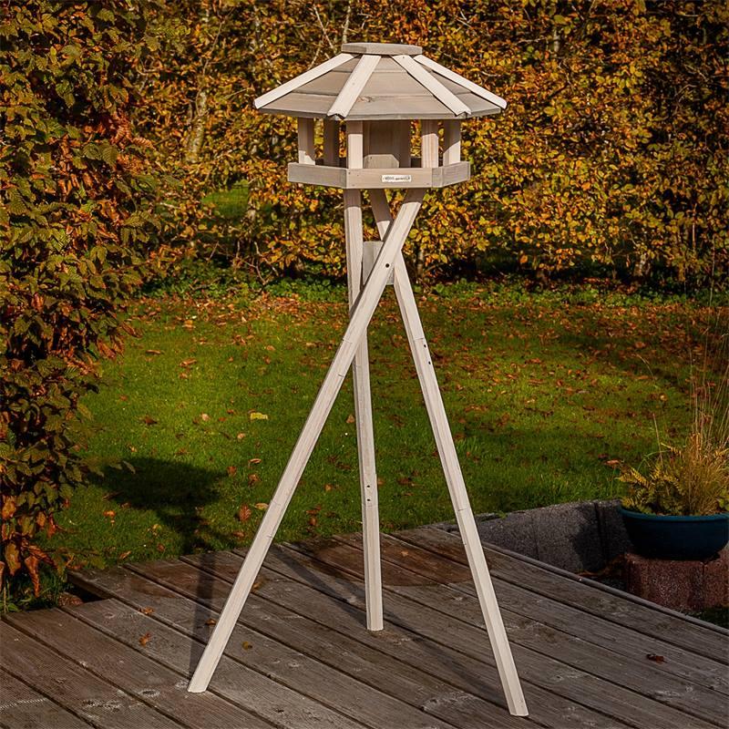 930330-2-casetta-per-uccelli-valbo-voss-garden-con-palo-di-sostegno-a-croce-bianca.jpg