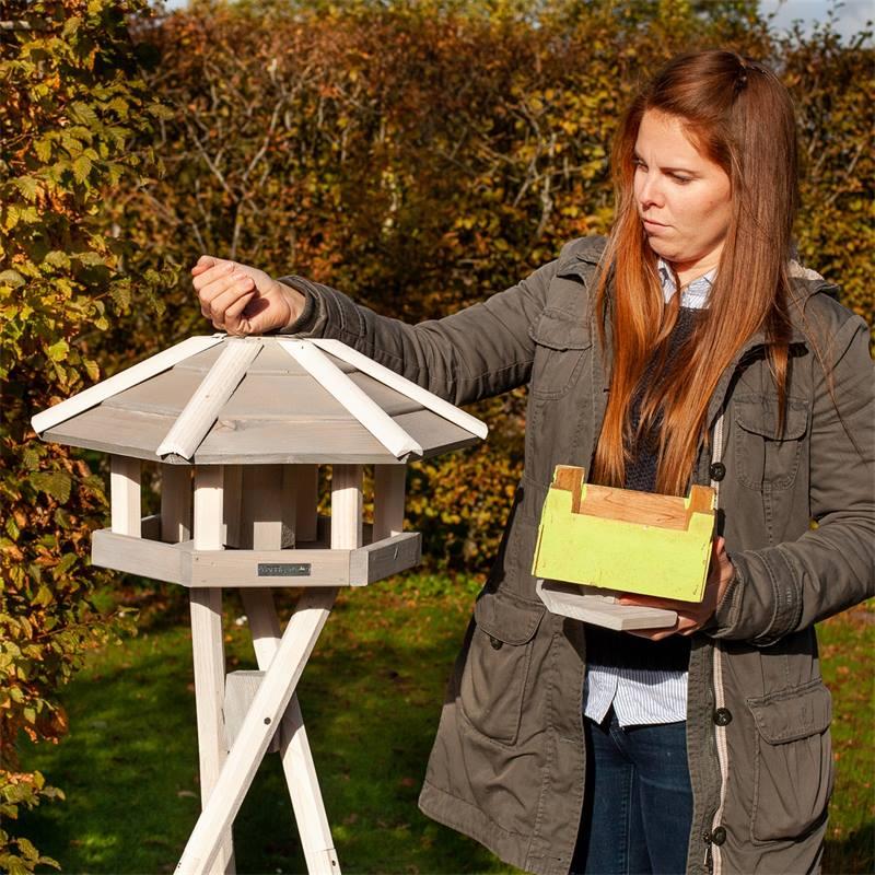 930330-5-casetta-per-uccelli-valbo-voss-garden-con-palo-di-sostegno-a-croce-bianca.jpg