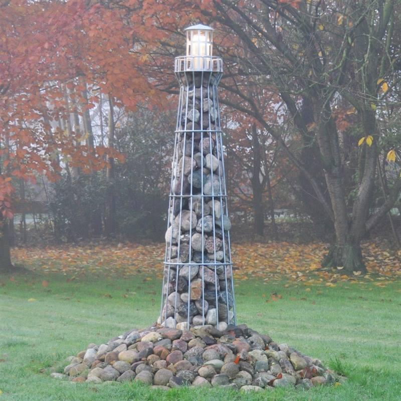 931118-Gabionenleuchtturm-Gartendeko-Leuchtturm-fuer-den-Garten.jpg