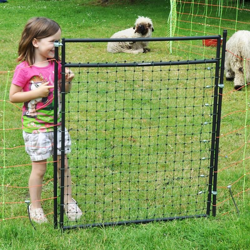 Netztuer-fuer-ein-Weidezaunnetz-Kinderleicht-in-der-Handhabung.jpg